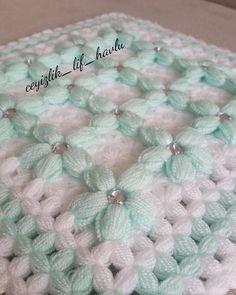 Baby Knitting Patterns, Elsa, Crochet Hats, Silk, Blanket, Bed Covers, Trapper Keeper, Crocheting, Amigurumi