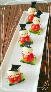 For Christmas ♡ ✱Snowman Pinchos✱ - food+drinks - Comida Recetas Christmas Party Food, Xmas Food, Christmas Appetizers, Appetizers For Party, Christmas Treats, Holiday Treats, Holiday Recipes, Christmas Snowman, Christmas Door