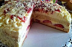 Erdbeer-Spaghettieis-Torte