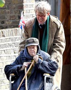Dame Maggie Smith as homeless Lady In The Van: first pictures - Telegraph