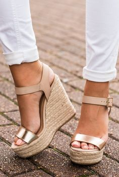These wedges have the perfect amount of sheen and shine! They are surely going to be a fabulous addition to your summer wardrobe! They will look great with the majority of your dresses!