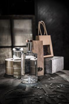 Ob Tragetaschen, Glasflaschen, Gläser, Geschenkkartons oder Etiketten - unser gesamtes Sortiment finden Sie auf www.etivera.com