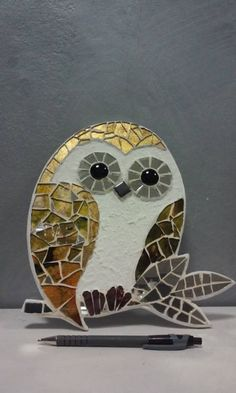 Painted Glass Art Old Windows Glass Artists Texture Mosaic Crafts, Mosaic Projects, Stained Glass Projects, Stained Glass Patterns, Mosaic Patterns, Stained Glass Art, Owl Mosaic, Mosaic Birds, Mosaic Flowers
