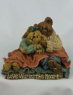 Boyds Bears Figurine NIB Bobbi And Neil Snuggle Up 2E  #228381 Bearstone