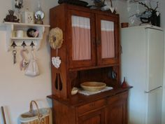 Country Living, Bookcase, Kitchens, Cottage, Shelves, Home Decor, Pantries, Country Life, Shelving