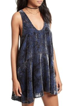 Free People Blue Deeply Velvet Mini Short Night Out Dress Size 8 (M). Free shipping and guaranteed authenticity on Free People Blue Deeply Velvet Mini Short Night Out Dress Size 8 (M)Free People Deeply Velvet Minidress  Size Medium -...