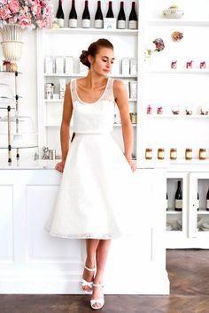 Valentine Avoh collection de robes de mariée 2015 jupe patineuse et débardeur dentelle Bruxelles - via Trendy Wedding