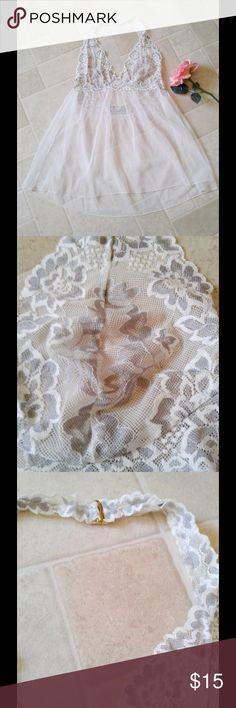 👀 Victoria's Secret lace halter babydoll top💋 👀 Victoria's Secret lace halter babydoll top. Size XL. Lace detail on bosom area. ***Not on Poshmark yet? Use code GYGCH & get $5 to use ANYWHERE on Poshmark! 🤑 Get Your Good Coin Honey (GYGCH) & happy shopping! 🙂 Victoria's Secret Intimates & Sleepwear