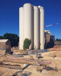 Another weekend stakeout of the flour mill progress @flourmillcommunity #silo #summerhillflourmill #summerhill #sydneyigers #sydneysider #daiwaaustralia #daiwa #industrial #innerwest #colliersinternational #watpac #construction #mungoscott #hassalstudio #progressupdate #weekend #australiansummer #futurehome #myfuturehome #vscocam #vscomania #wip #workinprogress