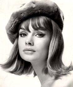 Jean Shrimpton in a fur beret