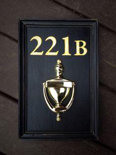 Vintage wooden sign - Door decor '221B Baker street' Sherlock Holmes