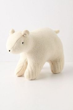 Upcycled sweater polar bear ornament and 19 other DIY Christmas Decorations here!