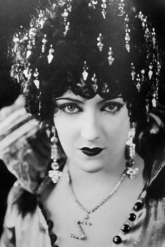 Gloria Swanson--fabulous hair ornaments ever get the impression, that nothing was too good for Gloria.