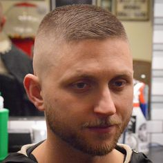 25 Best Ivy League Haircuts for Men – Ultra Short Ivy League - New Site Soldier Haircut, Beard Haircut, Cool Easy Hairstyles, Hairstyles Haircuts, Girls Short Haircuts, Haircuts For Men, Military Haircuts, Short Hair Cuts, Short Hair Styles