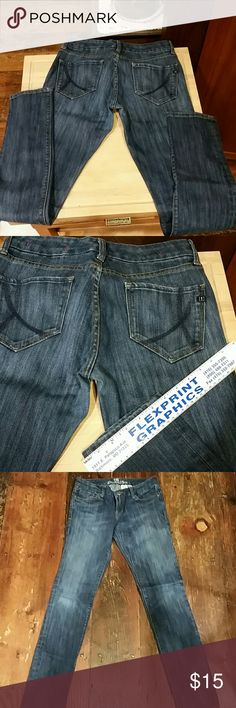 "It Jeans denim jeans Inseam 33"", dark wash skinny leg. Style Rising Starlet. It Jeans Pants Skinny"