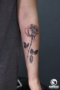 Popular Tattoos and Their Meanings Single Rose Tattoos, Rose Tattoos For Men, Sleeve Tattoos For Women, Mom Tattoos, Tattoo Sleeve Designs, Body Art Tattoos, Tattoos For Guys, Tattoo Life, Flower Of Life Tattoo