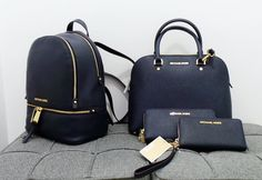 Michael Kors blue and gold backpack and purse #dechiricomoda