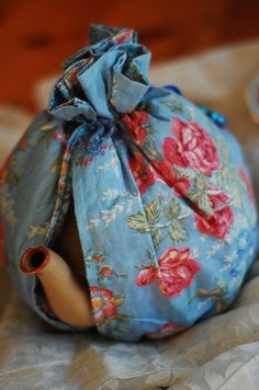 Sage & Simple: recycled fabric tea cosy | Sew me : Wallet, Cases ... : quilted tea cosy - Adamdwight.com