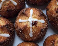 G Bakes!: Hot Cross Buns, New England style!