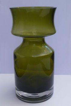 Riihimki Riihimaen Lasi Tamara Aladin Ruusu Glass Vase Cased Green 20cm 1966 Glass Vase, Mid Century, Green, Home Decor, Decoration Home, Room Decor, Medieval, Interior Decorating