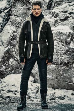 See the complete Belstaff Fall 2016 Menswear collection.