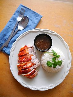 Try out Khao Man Gai, a quick weeknight meal that uses a rotisserie chicken to make Thai chicken and rice with a ginger chili dipping sauce! Asian Chicken Recipes, Thai Chicken, Chicken Rice, Khao Man Gai Recipe, Healthy Thai Recipes, Rice Recipes, Thai Food Menu, Hotel Food, Thai Cooking