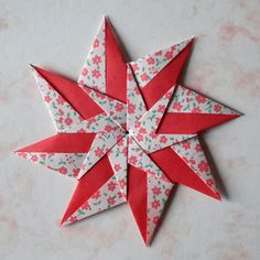 Learn how to fold a variety of origami designs from simple to complex with instructional video tutorials by Evan Zodl. Origami Star Box, Origami Ball, Origami Fish, Origami Butterfly, Origami Folding, Origami Hearts, Origami Boxes, Origami Flowers, Paper Crafts Origami