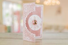 Floating in the Air Circle Surprise (TLD0187) – Tattered Lace