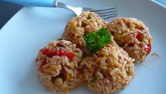 Fried Rice, Risotto, Fries, Ethnic Recipes, Bulgur, Red Peppers, Cooking, Nasi Goreng, Stir Fry Rice