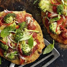 Gemüse-Naan-Pizza - Another! Naan Pizza, Cooking Recipes, Healthy Recipes, Healthy Food, Healthy Meals, Calorie Counting, Vegetable Pizza, Meal Prep, Food Prep