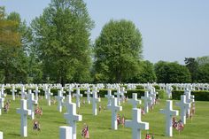 The difference in numbers is accounted for by the fact that one headstone is over a grave with two servicemen, who could not be separately identified, and another is over a grave with three servicemen for the same reason.
