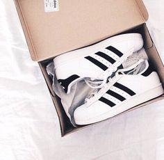 Adidas Superstar Tumblr White