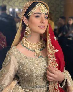 Sarah Khan and Wahaj Ali Walked at Ramp for Deepak Perwani at FPW 2019 - Top 10 Ranker Sajjal Ali, Pakistani Wedding Dresses, Celebrity Wallpapers, Pakistani Actress, Latest Pics, Hottest Photos, Sexy Legs, Bridal Jewelry, Actresses