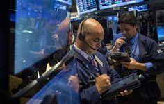 Wall Street opera para baixo com Brexit no radar e Fed - http://po.st/4TBDWy  #Bolsa-de-Valores - #Indicadores, #Mercados, #Wall-Street