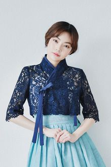 레이스 7부 저고리 - 뽀뿌리 Dress Brukat, Batik Dress, Cardigan Fashion, Skirt Fashion, Fashion Dresses, Korean Traditional Dress, Traditional Dresses, Dress Batik Kombinasi, Modern Hanbok