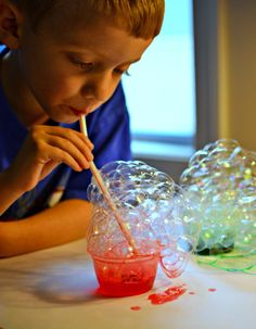 Bubble painting for Christmas or any other holiday...great way to work on those oral motor skills. For preschool age