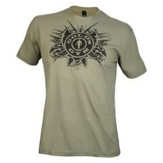 promo code f5edf 48c1a Das körperbetonte T-Shirt ist das ideale Outfit für jedes Training Das  ausgefallene und trendige