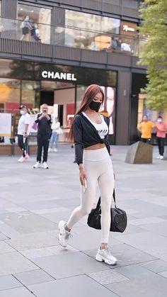 Asian Street Fashion, Asian Street Style, Looks Street Style, Korean Beauty Girls, Sexy Asian Girls, Beautiful Asian Girls, Love Fashion, Fashion Models, Girl Fashion