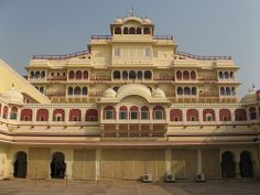 The city palace of jaipur is very beautyfull and well maintain by the goverment of Rajasthan. Many tourest is come to see tha city palace of jaipur.