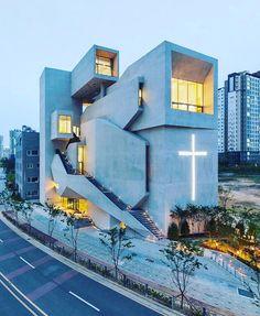 Church in South Korea by Heesoo Kwak & IDMM Architects