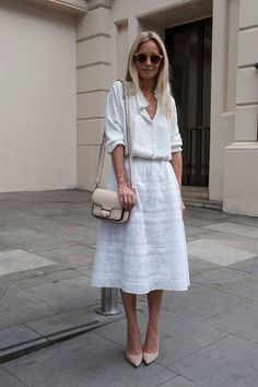 LFW #StreetStyle: all white look teamed with blush accessories