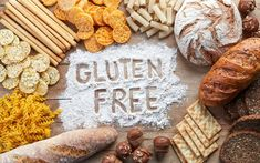 It can be tricky to find gluten-free snacks that aren't packed with sugar and calories, but you can make your own healthy options. Here are 21 quick and nutritious gluten-free snacks. Gluten Free Food List, Gluten Free Diet Plan, Gluten Free Snacks, Gluten Free Flour, Gluten Free Recipes, Benefits Of Gluten Free Diet, Foods To Avoid, Healthy Foods To Eat, Essen To Go