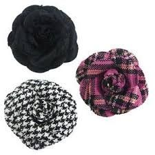 Afbeeldingsresultaat voor corsage maken van stof Corsage, Winter Hats, Beanie, Fashion, Carnival, Moda, Fashion Styles, Beanies, Fashion Illustrations