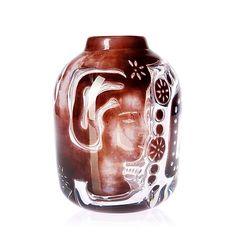 An Edvin Öhrström ariel glass vase 'Flickan och Duvan', Orrefors Glass Design, Design Art, Beauty Magic, Stained Glass, Glass Art, Sculptures, Arts And Crafts, Vase, Ravenna