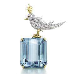 "La broche ""Bird on a rock"" de Jean Schlumberger pour Tiffany http://www.vogue.fr/joaillerie/le-bijou-du-jour/diaporama/la-broche-bird-on-a-rock-de-jean-schlumberger-pour-tiffany-co-colors-of-wonder/14079#!3"