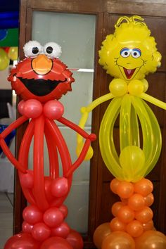 balloons....I wonder if i could pull something like this off for balloons at allisons first birthday party..