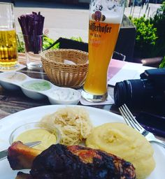 Placeres de la vida ���� #deuschland #germany #beatiful #wonderful #world #insta #instant #instagood #instagram #moments #pictures #pornofood #beer #photo #photos #photography #photographer #travel #travelling #travelworld #travelgram http://tipsrazzi.com/ipost/1516056259173730466/?code=BUKHSKjjsii