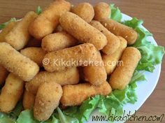 Le crocchette di patate sono un'antipasto classico, servite anche come secondo piatto arricchite con mozzarella, prosciutto o verdure.