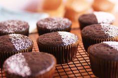 Basic vegan chocolate cupcakes. Recipe here: http://cinnamongirldelights.blogspot.com.es/2013/03/basic-vegan-chocolate-cupcakes.html