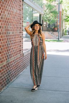 Lacey Spruce (@laceyspruce) wears THML Clothing's printed maxi dress in a summer boho outfit.